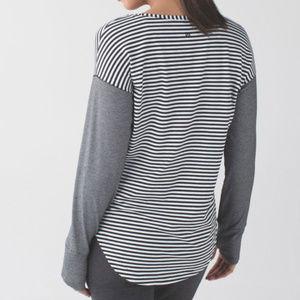 Lululemon Weekend Long Sleeve, size medium